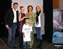 Markus Michelitsch mit Missy May, Maya Hakvoort und Kerstin Jahn