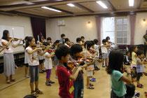 2013年8月23日~24日 北大阪支部夏季合宿を六甲山YMCAで行いました。  自然の中で、虫の声、風の音を聞きながら、集中して練習に取り組むことが出来ました。