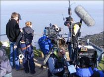 Filmteam mit Filmdrohne und kameradrohne am Set