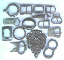 Boucles retrouvées sur sites archéologiques