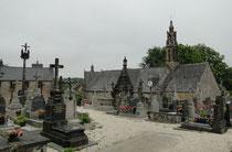 Kirche mit Friedhof in Plougastel-Daoulas