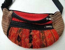 Handgewebte Gürteltasche aus der Atacama