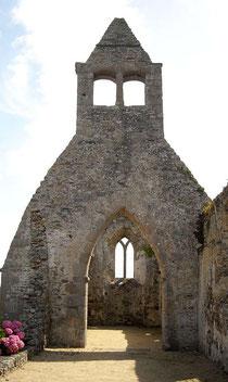 Ruine einer uralten Kirche