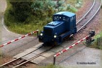 V23 am Bahnübergang