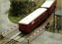 LVT am Bahnübergang