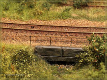 Geländer am Bahndamm