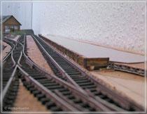 Bahnsteigkanten gesetzt