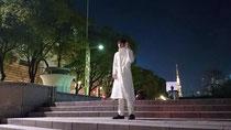 名古屋の路上にて、自身初となる1人芝居を敢行。2ステージで延べ120人が集まった。