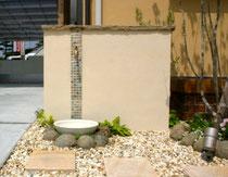 壁を利用した立水栓