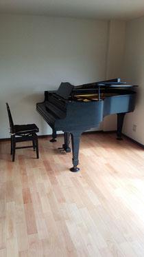 湘南台教室のピアノ