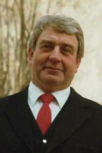 Josef Marschall aus Dinnenried war von 1968 bis 1988 1. Vorsitzender des Musikvereins. Unter seiner Leitung fanden die beiden Musikfeste von 1974 und 1984 statt.