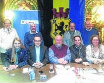 Der neue Vorstand des CDU-OV Mitte (Vors. Peters 3 v. links, sitzend)