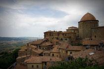 Über den Dächern von Volterra