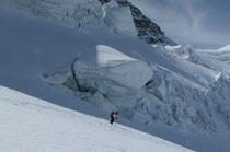 Mitten durch die Gletscherabbrüche