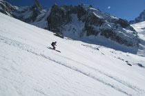 Firnabfahrt vom Col des Périades