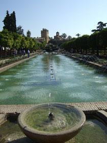Gartenanlage des Palacio de los Reyes Catolicos in Cordoba.