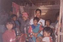 ラフー族の村のこどもたち
