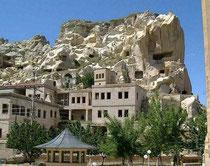 ウルギュップの岩窟住居