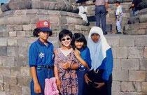 ジャカルタの高校生とボロブドゥール遺跡で