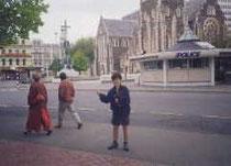 クライストチャーチの交番 後は大聖堂