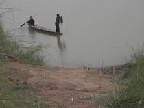 魚網を仕掛けるところ