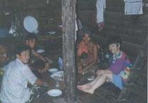 シャン族の民家(ダイニングルーム)