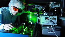 Ultrafast laser at the Max Planck Institute of Quantum Optics (Credit: T. Naeser)