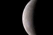 An incoming view of Mercury, about 80min before MESSENGER's closest pass of the planet on Jan. 14, 2008 (Credit: NASA)