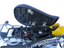 Skyteam T-Rex 125 Sitz hochgeklappt Suzuki RV replica
