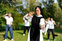 Auszeit im Kloster, dabei die Gesundheit fördern. Zum Beispiel beim Qigong, angeboten von den Schwestern in Marienkron. Foto: www.marienkron.at