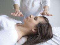 Reiki ist eine energetische Behandlungsmethode, die gerne ins esoterische Eck gestellt wird. Zu Unrecht, sagen Praktiker und bemühen sich nun um eine Imagekorrektur.  Foto: Lakshmi/Fotolia.com