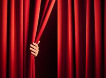 Amateurtheater und Improvisationstheater können Menschen helfen, mit Situationen aus dem Alltag leichter umgehen zu lernen oder sich auf schwierige Dinge vorzubereiten. Foto: itestro/Fotolia.com