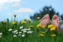 """Der Sommer kann kommen. Gegen Sonne, Hitze und Insekten sollte man jedenfalls vorbeugen. Und auch gegen """"Tropenkrankheiten"""", wenn ein Auslandsurlaub geplant ist. Foto:Stefan Körber/Photoxpress.com"""