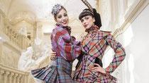 Tänzerinnen des Staatsopernballetts in Karo
