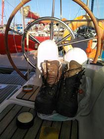 Schuhpflege an Bord