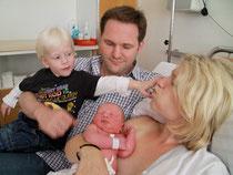 Die Geburt eines Kindes ist gleichzeitig die Geburt einer Mutter und eines Vaters.