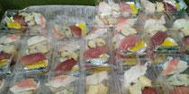 今日の魚祭りでは握り寿司を販売、鮪に金目にアカニシガイの3貫です😌♨️🍶