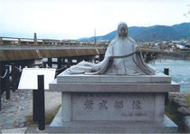 Statue of the author; Murasaki Shikibu