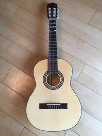 ギターでした。