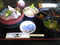 駿河丼定食1050円なり。