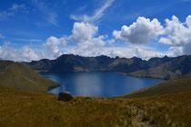 Vom Fuya Fuya aus der Blick auf die Laguna de Mojanda