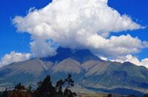 Der Imbabura inkl. Herz von Otavalo aus