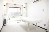 院内 施術ベッド