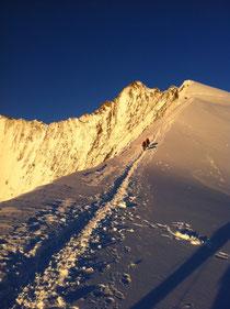 Aufstieg zum Nadelhorn im Morgengrauen