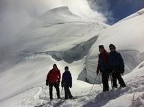 Blick auf die steilere Aufstiegsspur im Hintergrund