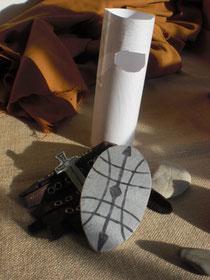 Martin wollte kein Soldat mehr sein. Er legte Schild, Helm und Schwert weg.