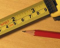 Sachverständige überprüfen die Qualität der Handwerker Arbeiten