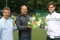 Trainer Markus Gutz wurde für seine Verdienste als Trainer der 1. Herren geehrt!
