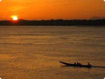 Sonnenuntergang über dem Rio Orinoco - Puerto Carreno - Kolumbien