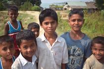 ミャンマー西部に住むロヒンギャの子どもたち